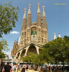 Temple of the Sagrada Familia in Barcelona. Храм Святого Семейства в Барселоне