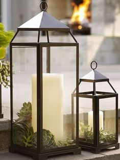 37 Gorgeous Farmhouse Front Door Ideas to Give Your Home a Makeover - The Trending House Porch Lanterns, Lanterns Decor, Lantern Centerpieces, Decorating With Lanterns, Fall Lanterns, Floating Lanterns, Roof Lantern, Black Lantern, Rustic Lanterns
