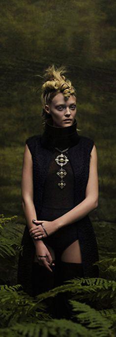 Modern Fairytale | Marie Claire França 2 F/W 2014.15 | Marina S. & Carla C. por Eugenio Recuenco | cynthia reccord