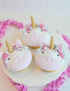 Are you planning a unicorn birthday party for your little one? Here are 14 simply stunning ways to make your unicorn party extra special. Diy Unicorn Party, Unicorn Birthday Parties, Birthday Cakes, Mini Cakes, Cupcake Cakes, Unicorn Foods, Unicorn Cupcakes, Oreo Cupcakes, Edible Glitter
