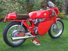 Ducati Monza -  Vic Camp racing kit fitted