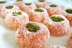 Havuçlu Lokumlar Tarifi Arabic Food, Doughnuts, Candy, Mediterranean Dishes, Turkish Delight, Yams, Easy Meals, Sweets, Malaga