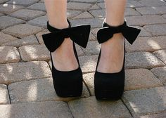 DIY Tutorial: The Ankle Bow-Tie by fashion blogger Jade of These Days as inspired by Carven Resort 2013