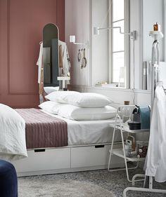 Pour Ceux Qui Aiment Une Chambre à Coucher Hyper Organisée, Le Cadre De Lit  IKEA NORDLI Avec Rangement Intégré Est Idéal.