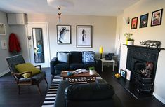 Living room / rug / black