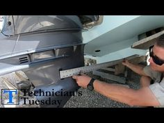 How To Mount An Outboard Motor Properly - Start to Finish! Boat Engine, New Engine, Boat Stuff, Fun Stuff, Boating Tips, Outboard Boat Motors, Outdoor Survival Gear, Duck Boat, Bass Boat