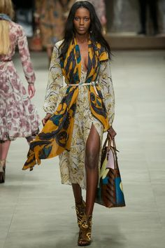 Burberry Prorsum Fall 2014 RTW - Runway Photos - Fashion Week - Runway, Fashion Shows and Collections - Vogue Burberry Prorsum, London Fashion Weeks, Runway Fashion, Fashion Show, Fashion Tips, Fashion Design, Fashion Trends, Review Fashion, Armani Prive