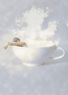 fotografia-surreale-autoritratti-me-at-my-best-erika-zolli-1