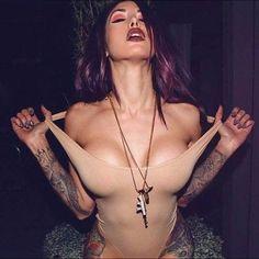 Sexy Girls With Creative Tattoos , http://webvox.co/girls-tattoos/