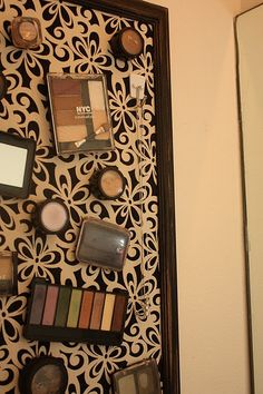 This make up board is pretty!