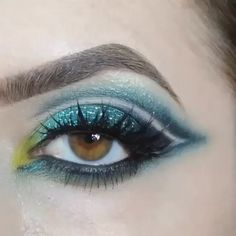Just Press Play!  Do You Believe in MAGIC?  check out this mythically magical look by OFFICIAL Lit Promoter @Andeedoll! She used @litcosmetics #glitter in Magic Dragon (#LitMagicDragonAll) to add shimmering shifting emerald to her eye look!!! Truly gorgeous! ✨✨✨ Get TWO free glitters with your Lit at Sephora purchase!  Check beauty on the fly for your limited edition Lit Kit, then send your proof of purchase to sparkles@litcosmetics.com to receive your free glitters!  Check…