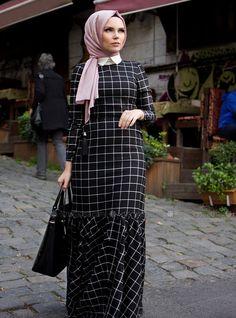 Ekoseli Elbise - Siyah - Muslima Wear