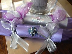 Lee Caroline - A World of Inspiration: How to make Christmas crackers for your table, hostess or teacher gift