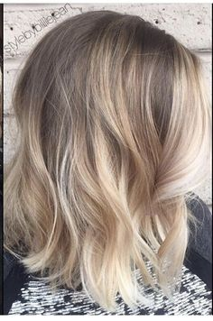 Cool blonde balayage with dimension. Medium bob. Are you looking for blonde balayage hair color For Fall and Summer? See our collection full of blonde balayage hair color For Fall and Summer and get inspired!