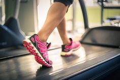 Fat Burning 21 Minutes a Day - 6 fat-burning treadmill workouts you will love - Using this Method, You CAN Eat Carbs, Enjoy Your Favorite Foods, and STILL Burn Away A Bit Of Belly Fat Each and Every Day Interval Training Treadmill, Incline Treadmill, High Intensity Interval Training, Hiit, Treadmill Running, Cardio Workouts, Treadmill Exercises, Treadmill Routine, Summer Workouts