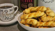 Τα πιο εύκολα & λαχταριστά Πασχαλινά Κουλουράκια - Greek Easter Cookies Easter Recipes, Greek Recipes, Pretzel Bites, Cookies, French Toast, Cooking Recipes, Sweets, Bread, Snacks
