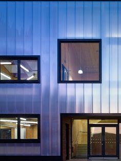 Escuela Graveney Sixth Form Block / Policarbonato + ventanas Facade Architecture, Residential Architecture, School Six, External Cladding, Genius Loci, Urban, Form, Inspiration, Interior Design