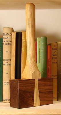 Dans Shop: Mystery Mallet With Roy Underhill Woodworking Hammer, Woodworking Hand Tools, Woodworking Projects That Sell, Woodworking Furniture, Woodworking Crafts, Wood Projects For Beginners, Scrap Wood Projects, Wood Working For Beginners, Metal Working Tools