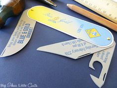 Great for Cub Scout Blue & Gold Invitations. Perfect for Father's Day or a handy dad too! Scout Games, Cub Scout Activities, Cub Scouts Wolf, Girl Scouts, Eagle Scout Ceremony, Girl Scout Juniors, Fathers Day Cards, Bear Cubs, Games For Kids