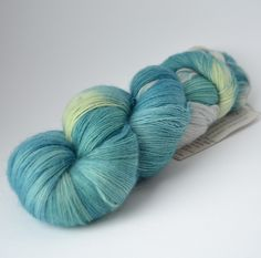 Sheep Uy Colors Cabito 100% villalanka käsinvärjätty – Neulovilla