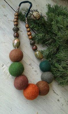 Felted hand made necklace  Whispering woods от ykrugova на Etsy