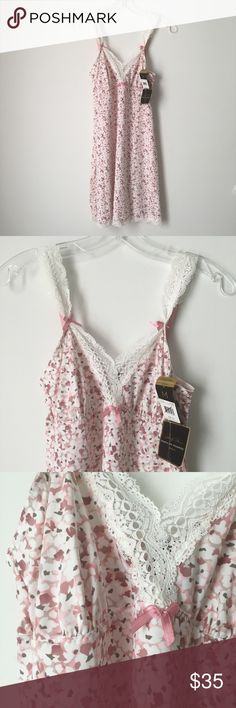 """SILKY SOFT PINK FLORAL LACE SLIP DRESS LINGERIE !! Cute Pale Pastel Pink / Mauve / White Ivory Floral Flowers Flower / Muted Cocoa Brown Speckle Dot Lace Trim Tiny Bow Bows Micro Mini Short Lingerie Nighty Nightgown Sleepwear Lounge Loungewear Slip Dress Tunic Silky Smooth SOFT Thin Stretchy Stretch Marilyn Monroe Intimates 