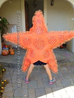 Awesome DIY Costume for Two Girls: Two Sea Stars ... This website is the Pinterest of costumes