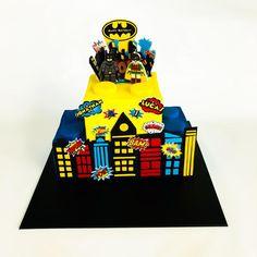Lego Batman and Robin cake - cake by atpiece Batman Birthday, Batman Party, Superhero Birthday Party, Boy Birthday, Birthday Ideas, Birthday Parties, Birthday Cake, Lego Batman Cakes, Lego Cake