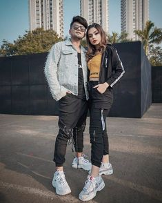 Cute Girl Pic, Stylish Girl Pic, Cute Girls, Couple Photography Poses, Indian Celebrities, Bollywood Stars, Celebrity Photos, Cute Couples, Military Jacket