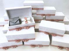 Cottage Wedding, Rustic Wedding, Wedding Signs, Wedding Cards, Gift Boxes For Women, Baby Gift Box, Graduation Diy, Gold Wedding Invitations, Minimalist Wedding