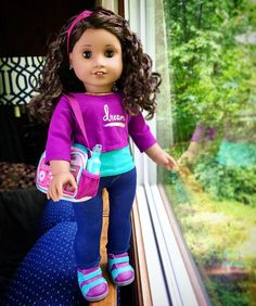 I haven't had a chance to take formal photos of Gabby yet, but I just had to share another photo of her. I LOVE her bag and accessories!!  #aggoty #agig #joy2everygirl #adultdollcollector #americangirldoll #americangirlbrand #americangirldolls #agdoll #famousdolls #loveag #gabrielamcbride