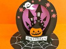飾って楽しいラウンド型卓上ハロウィンカード(城とかぼちゃ)
