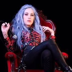 Female Rock Stars, Alissa White, Ladies Of Metal, Heavy Metal Girl, Arch Enemy, Gothic Outfits, Celebrity Pictures, Ladies Day, Online Shopping Clothes