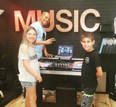 Summer DJ Camp at the School of Dance and Music #ManhattanBeach #djcamp #djlife #kidsDJ