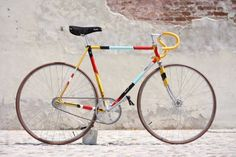 Biascagne Cicli and painter Riccardo Guasco have partnered for a cool gear bike which has a layered appeal and points to inspiration from art deco, tribal tattoos and Red Indian Comics.