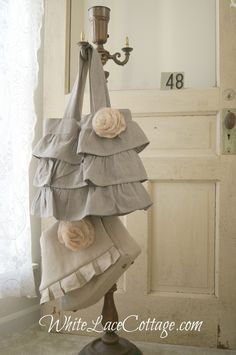 Gorgeous Jeanne Oliver Designs bags - photo by White Lace Cottage