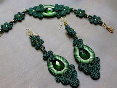 Green power soutache set by on Etsy Soutache Pendant, Soutache Necklace, Bracelet Making, Bracelet Set, Jewelry Making, Shibori, Pendant Set, Pendant Jewelry, Macrame Jewelry