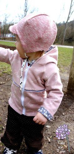 Kostenlose Anleitung und Schnittmuster: Freebook! für Kinder Gr.80-98. Abenteuerjäckchen mit Taschen für allerlei Schätze! Ganz einfach nach Bildern nähen.