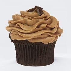 El postre perfecto para todos los amantes del café. Es más, si te gusta demasiado puedes acompañar estos cupcakes con una taza de café calientito y bien cargado. ¡Los amarás!