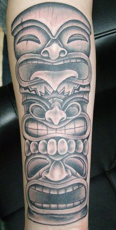 Pin Tattoos Aztec Tiki Picture By Castanedaart Photobucket On Tiki Tattoo, Totem Tattoo, Life Tattoos, New Tattoos, Tiki Maske, Cherub Tattoo, Hawaii Tattoos, Tattoo Designs, Tiki Art