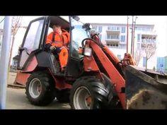 Yrkesportrett -- anleggsgartner - YouTube Lawn Mower, Tractors, Outdoor Power Equipment, Youtube, Lawn Edger