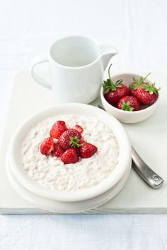 Strawberry and ricotta porridge