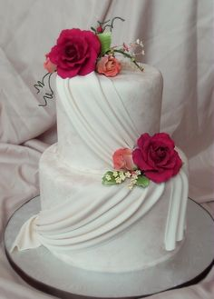 Faux Finished Fondant and Drapes - SugarEd Productions Online Classes