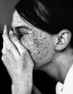 laugh | giggle | freckles | beauty | test shoot | black & white fashion editorial | hands | profile