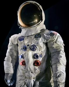 Today in 1969: Apollo 11 astronauts Neil Armstrong and Buzz Aldrin were the first humans to set foot on the Moon. This is Armstrong's spacesuit, which is in our @airandspacemuseum's collection.  Thanks to your support during our #RebootTheSuit Kickstarter campaign, Armstrong's spacesuit is being conserved and getting ready to go back on display in two years, in time for the 50th anniversary of the Moon landing.  The museum also has Aldrin's spacesuit, which is on display now in Washington…
