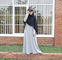 Islamic Fashion, Muslim Fashion, Modest Fashion, Fashion Outfits, Casual Hijab Outfit, Hijab Chic, Hijab Gown, Modele Hijab, Mode Abaya