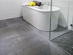 En av Kakelspecialistens storsäljare, serie Concrete. Fin betongskänsla och finns i 3 olika betonggrå färger. Storlek 59,2x59,2 cm och 9,7x9,7 cm.
