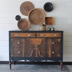 What a stunner!!! Jen @finn_and_bo stripped this dresser down and painted the frame in Old Barn Milk Paint Silhouette and then sealed with our Oil+Wax Finish. Just look how the Oil soaked into the wood and brought out that gorgeous grain while maintaining a natural look and sealing the milk paint! We love our Oil+Wax Finish and love seeing it used in all the amazing ways it was meant to. Did you know this product was developed for use over hard wood floors??