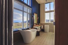 Gorgeous bathroom in La Ferme Hotel, Baie-St-Paul, Canada Top Hotels, Hotels And Resorts, Best Hotels, Amazing Hotels, Ottawa, Baie St Paul, Architecture Design, Quebec Montreal, Charlevoix