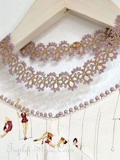 Parisで買い付けてきました。ハンドメイドのネックレスです。ブレスレットとお揃いになります。この技法はtatting laceと呼ばれ、糸を使って結び目を作り形に仕上げていきます。一つ一つ、ハンドメ…